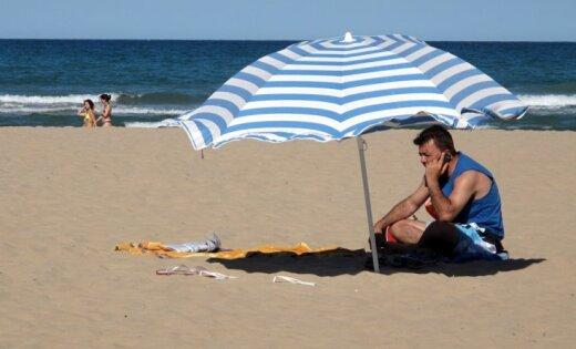 Sestdien Latvijā gaidāms spēcīgs karstums; iespējams pērkona negaiss