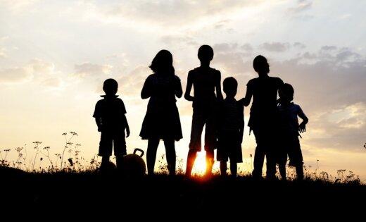 Labklājības ministrija Saeimā iesniedz gala priekšlikumu ģimeņu finansiālam atbalstam