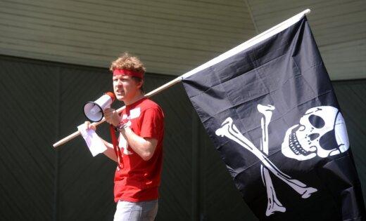 Protesta pasākumā pret ACTA un autortiesību kārtību Latvijā piedalās ap 30 aktīvistu