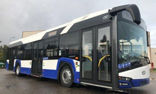 Rīgā sāk kursēt jaunie 'Solaris Urbino' autobusi