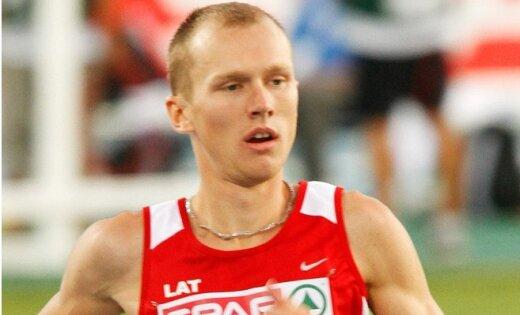 Skrējējs Jurkevičs labo 12 gadus vecu Latvijas rekordu