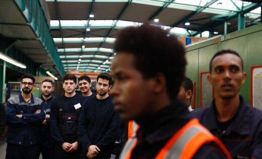 В Латвии остались работать лишь 13 беженцев