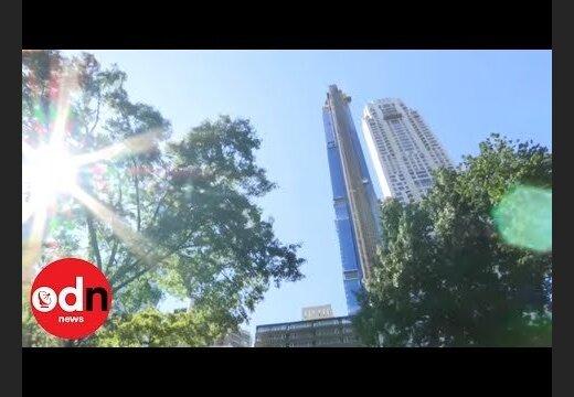 """Небоскреб """"Бурдж-Халифа"""" в Дубае окрасили в цвета армянского триколора по случая Дня независимости"""