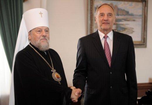 Митрополит Александр призвал вернуть в школы духовные ценности