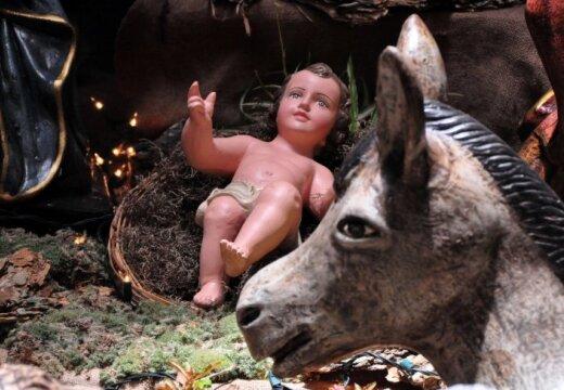 Западные христиане отмечают Рождественский сочельник