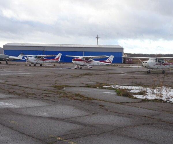 Kaņepju un reiva pavēnī kaļ plānus par jaunu lidlauku Spilvē