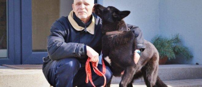'Brauksim mājās kopā!' Sarežģītā suņuka Džordana laimīgā satikšanās ar jauno saimnieku