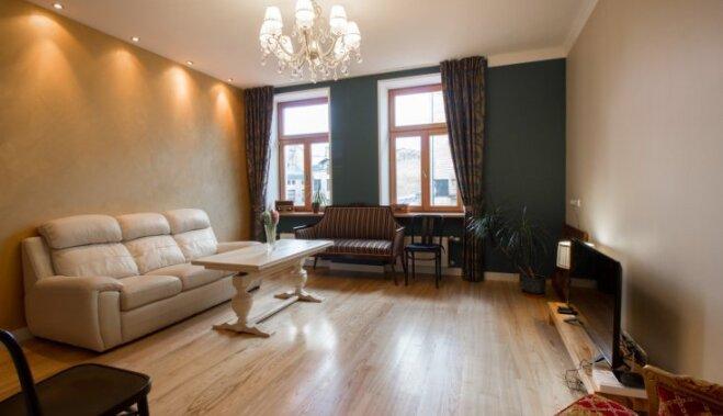 ФОТО: Как изнутри выглядит квартира в доме, где жил Карлис Ульманис