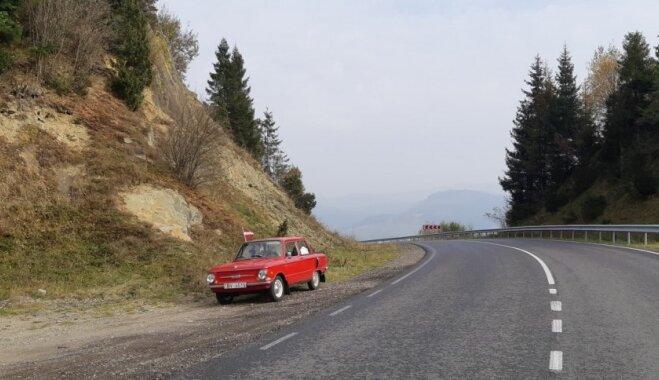 Ar ugunīgo 'zapiņu' uz Ukrainu: kā Intars izbaudīja Karpatus un vietējo viesmīlību