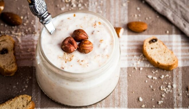 Vienkāršā maltīte – jogurts. Vai tas ieteicams, un kā izvēlēties veselīgāko