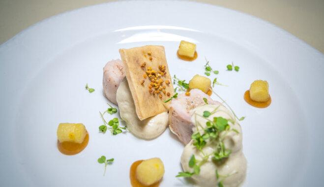 Lēni gatavots trusis ar baklažānu musu, viršu medus mērci un alus cepumu