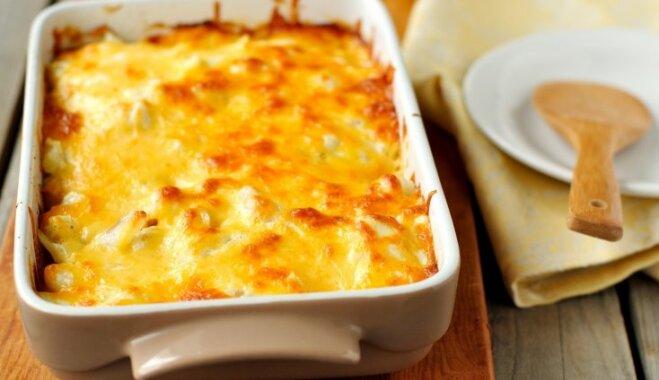 Kartupeļu, maltās gaļas un kausētā siera sacepums