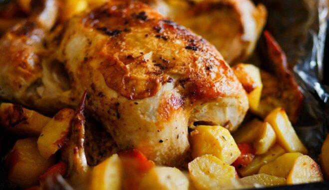 Majonēzē un adžikā marinēta vista ar kartupeļiem un sieru