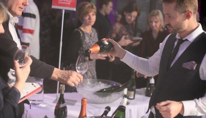 Foto: Gardēži bauda 101 vīnu un Latvijas labāko šefpavāru veikumu