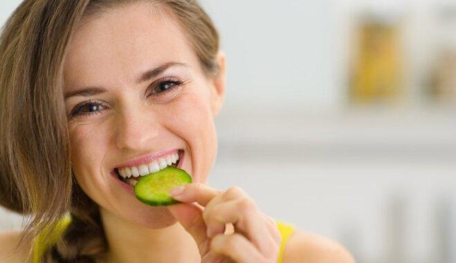 Огурцы, шоколад и спаржа: список продуктов, уменьшающих жир на животе