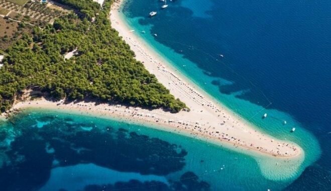 Neparastas, taču bezgala skaistas: septiņas savdabīgas pludmales pasaulē