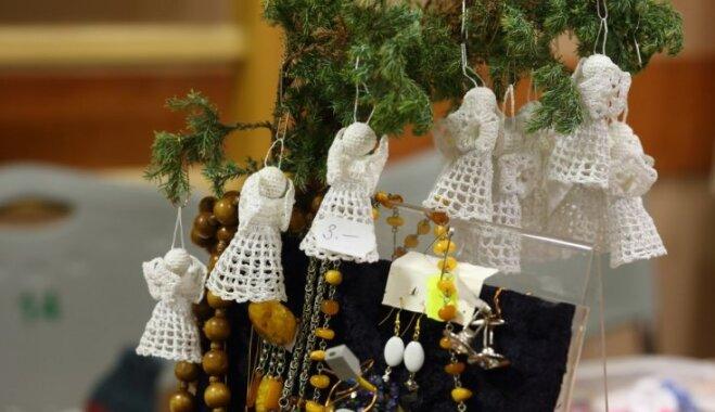 Ikgadējais invalīdu rokdarbu tirdziņš šogad pārceļas uz 'Domina Shopping'