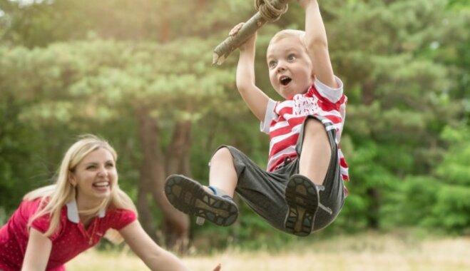 Kas ir stiprs bērns – pirmrindnieks un pie fona tapetēm pieskaņots?