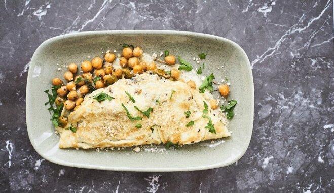 Omlete ar turku zirņiem un olīvām