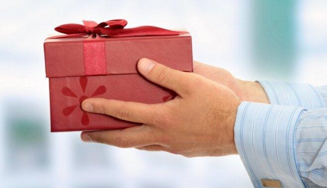 Ko Ziemassvētkos dāvināt klientiem un sadarbības partneriem?