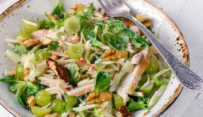 Atvasaras garša: 9 viegli pagatavojami salāti ar sulīgu vīnogu klātbūtni