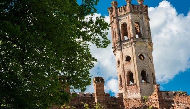 Apceļo Latviju: iespaidīgā Odzienas muiža