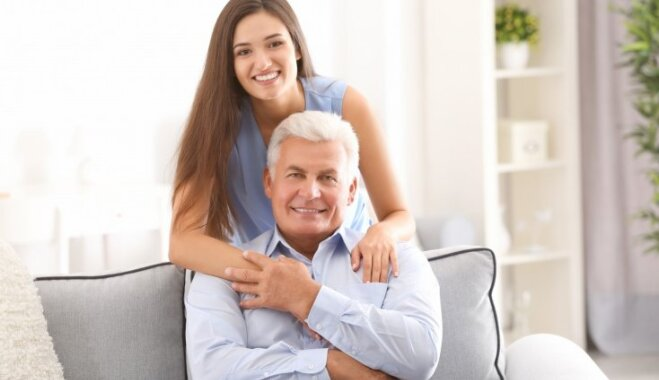 Tev jau pēc 30, bet vecāki turpina tevi audzināt: iemesli un pareizā rīcība