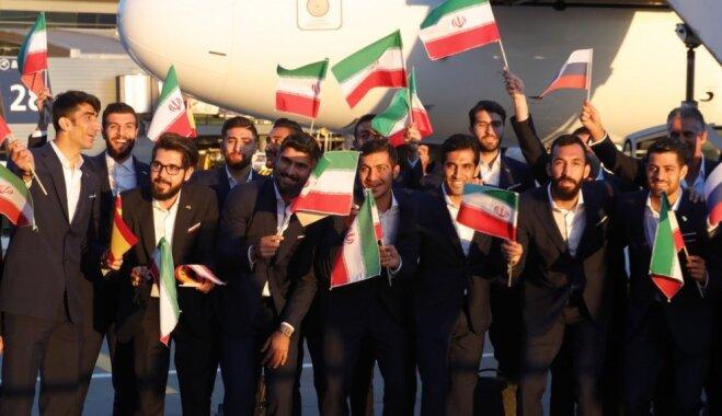 ASV sankciju dēļ 'Nike' pārtrauc ekipējuma piegādi Irānas futbola izlasei