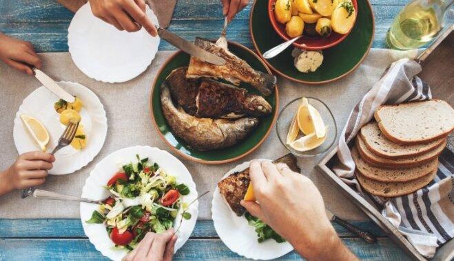 Brīvdienu ēdienkarte: špikeris brokastīm, pusdienām un vakariņām