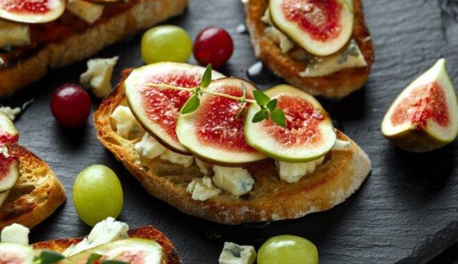 Krostini ar gorgonzolu, vīģēm un medu
