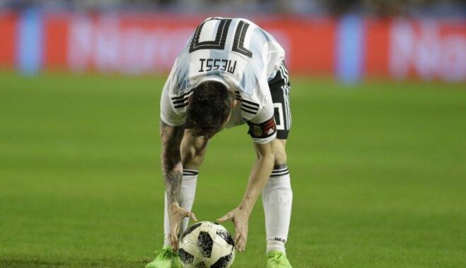 Boikota draudi, milzu izmaksas un augstas klases futbols – Krievijā sākas Pasaules kauss
