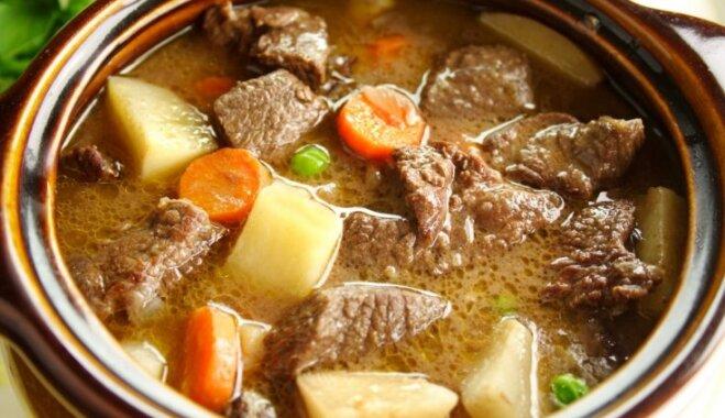 Liellopa gaļas sautējums krējumā ar kartupeļiem un burkāniem