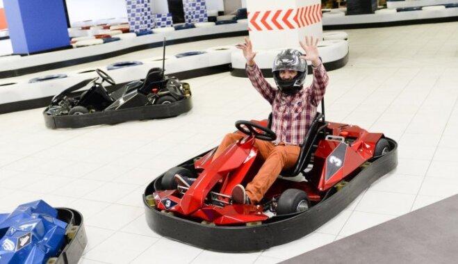 ФОТО: В Риге открылся новый электрокартинговый холл Blue Shock Race