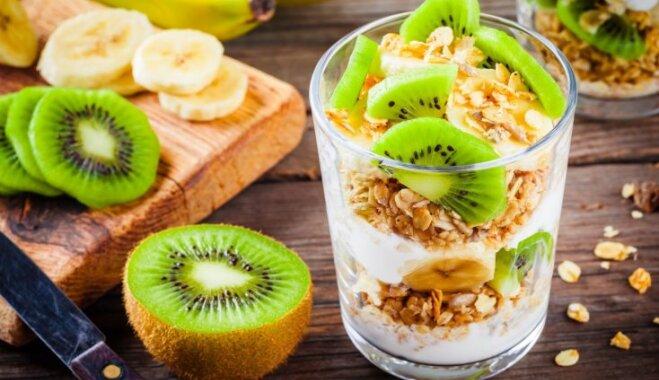Saldais kārtojums – kārdinošs našķis bez liekām pūlēm: 13 receptes kārumniekiem