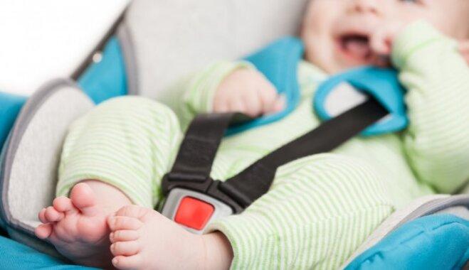 Cik ilgi bērns automašīnā jāpārvadā atmuguriski un kā izvēlēties sēdeklīti
