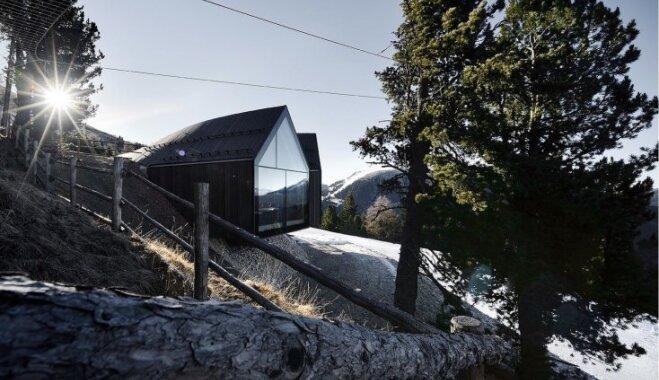 Foto: Maltītes baudīšana 2000 metru augstumā – pasakainais namiņš Dolomītu Alpos