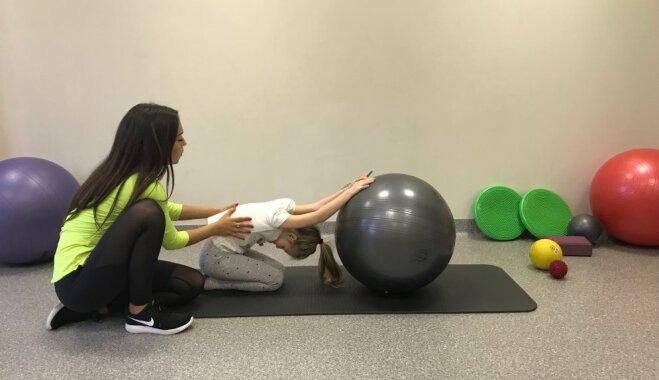 Photo: Physiotherapists ieteikti vingrojumi bērna plaušu veselībai