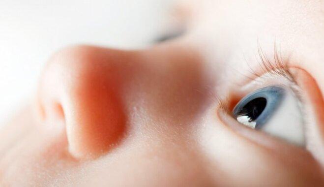 Kas par sava mazuļa actiņām jāzina ikvienai mammai: optometristes ieteikumi