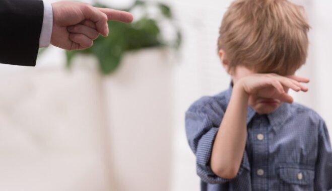 Četri mīti par bērnu disciplinēšanu, kuriem akli seko daudzi vecāki