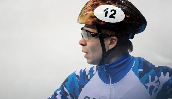 Шорт-трекист Елистратов принес России первую медаль на Играх-2018, Пукитис — 11-й