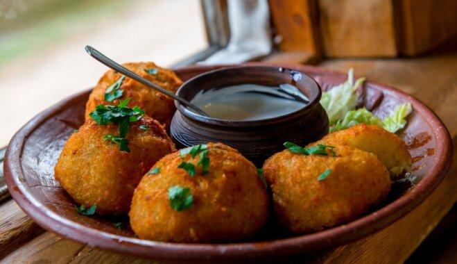 Хрустящие картофельные пончики с начинкой из капусты