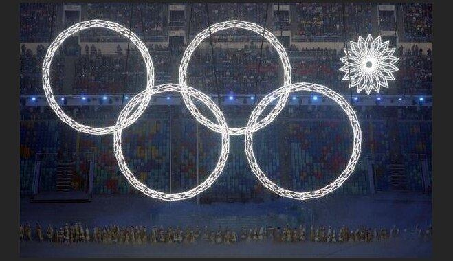 Ezītis miglā, nedegošs olimpiskais aplis un himna – 'soctīklotāji' 'šūmējas' par Soču olimpiādes atklāšanu