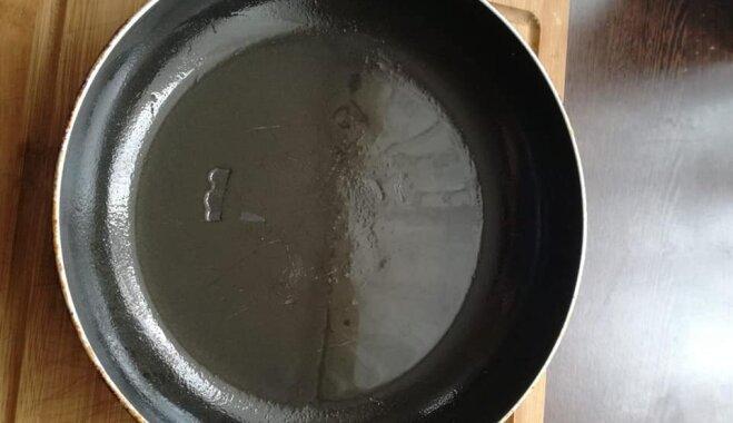 Картофельный кугель на сковороде
