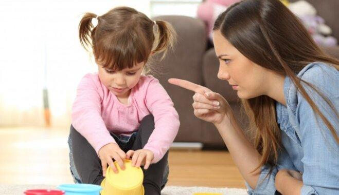 Kā bērnam palīdzēt 'nolaist tvaiku' rotaļu veidā