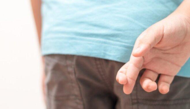 Mājās mazs melis: kā mudināt runāt patiesību