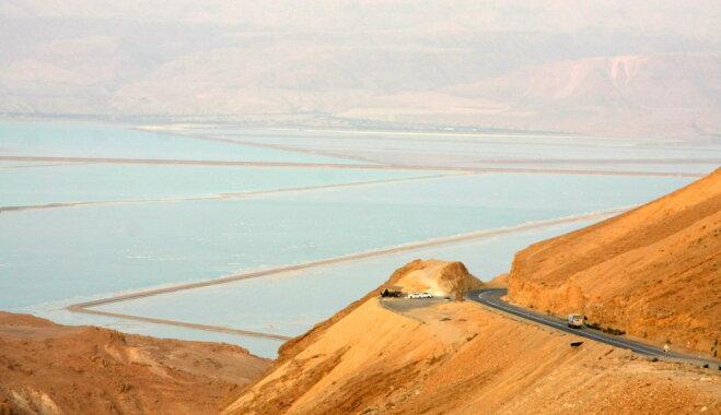 Rozā, plankumaini, sāļi – pasaules skaistākie un neparastākie ezeri