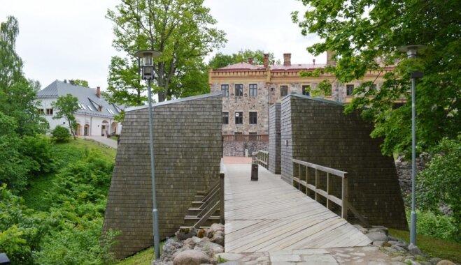 Atjaunos vairākas baznīcas un pilis pašvaldībās gar Gauju