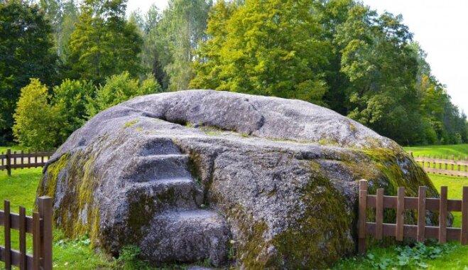 Сила камней: 5 мест в Латвии, где можно увидеть крупнейшие валуны страны