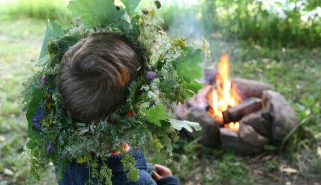 Ugunskura veidošana pēc senlatviešu tradīcijām