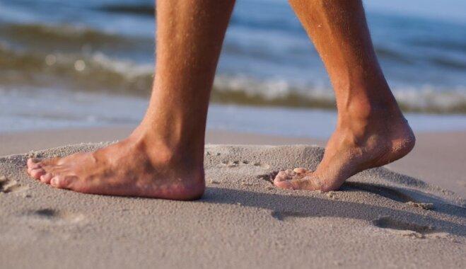 Satraukta lasītāja: kā pludmalē sevi pasargāt no neķītreļiem un 'mētelīša virinātājiem'?